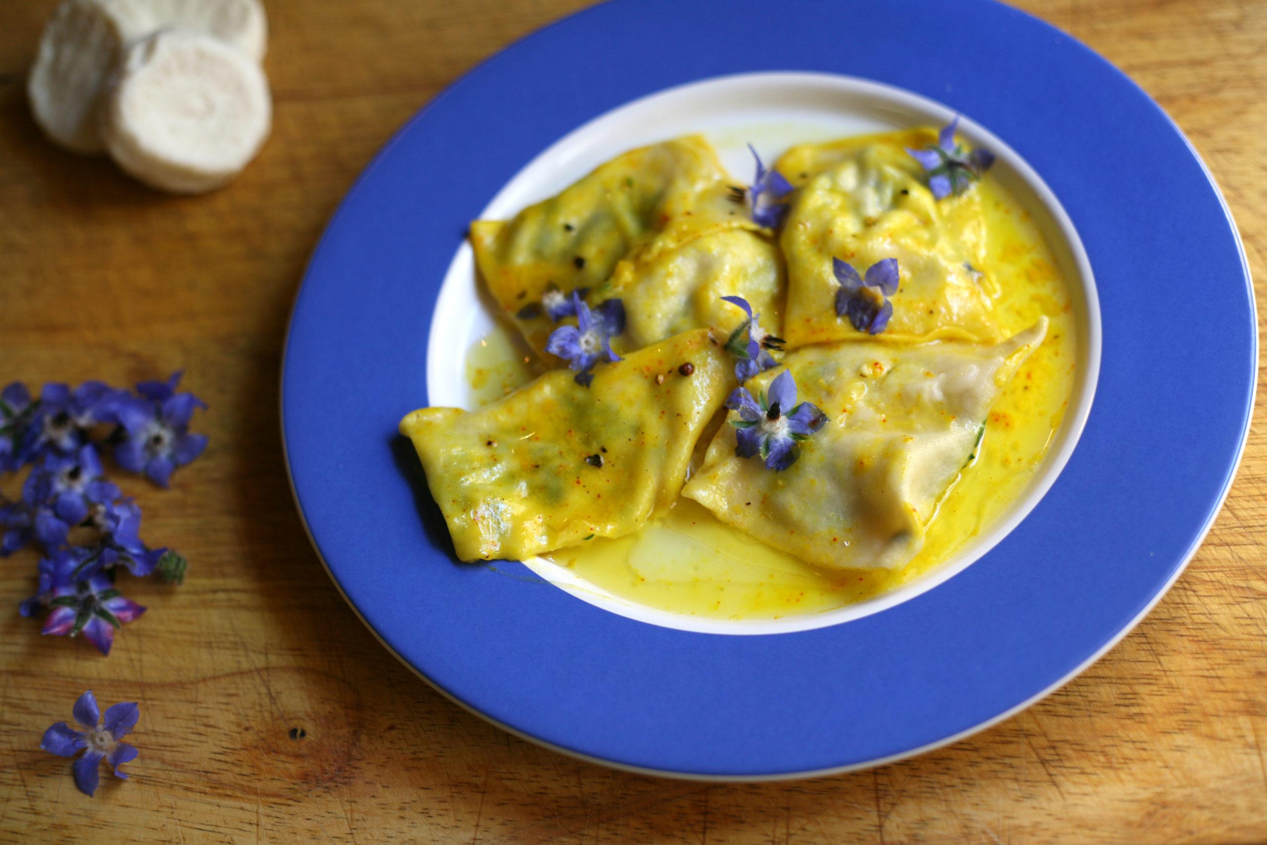 Ravioli with gbejniet in saffron butter