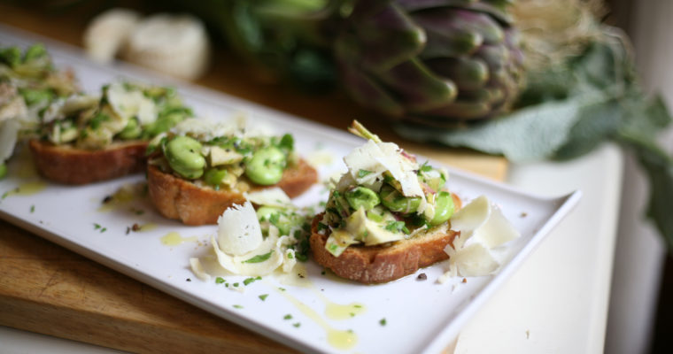 Raw artichoke and broad bean crostini