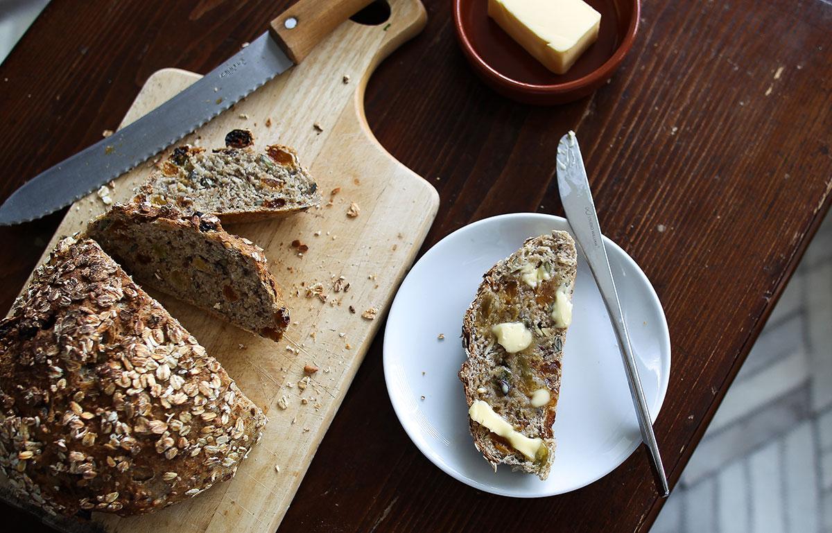 Seeded multigrain bread with golden raisins