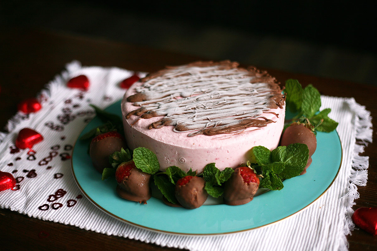 Strawberry cheesecake with an Oreo base