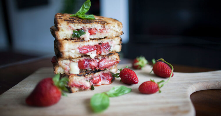 Oven-roasted strawberry and brie toastie