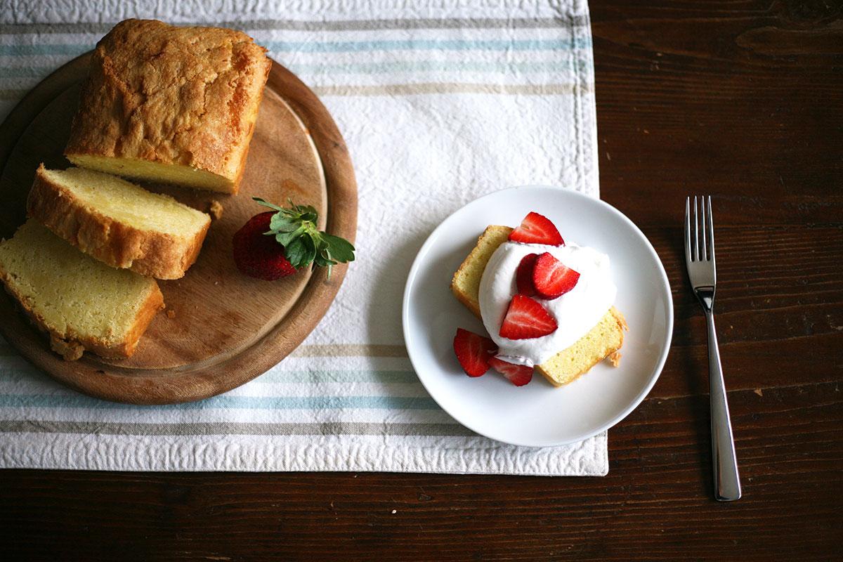 Lemon pound cake with fresh strawberries and cream
